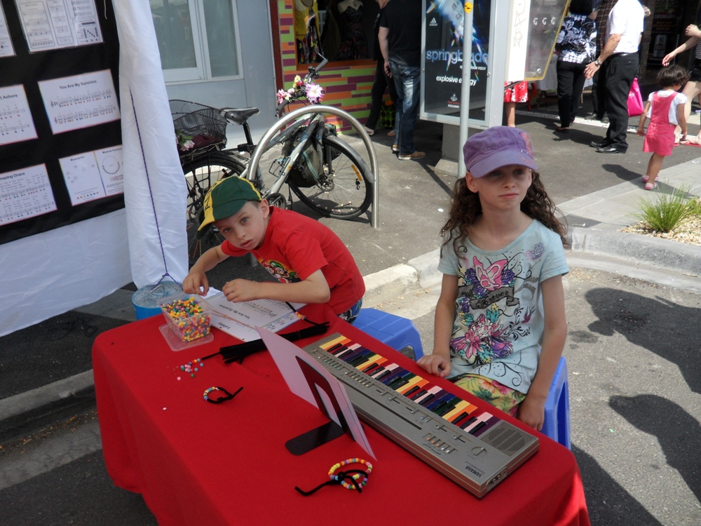 Rainbow Music - Seddon Festival - 2014 - Kid Playing Music and Doing Art 2